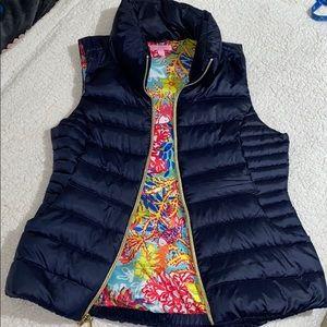 Lilly Pulitzer puffer vest navy floral inside l